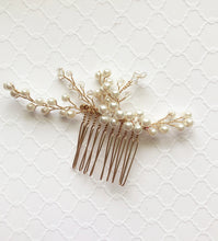 Load image into Gallery viewer, Pearl and Crystal Hair Comb