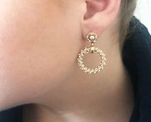 Load image into Gallery viewer, Vintage Loop pearl and gold earrings