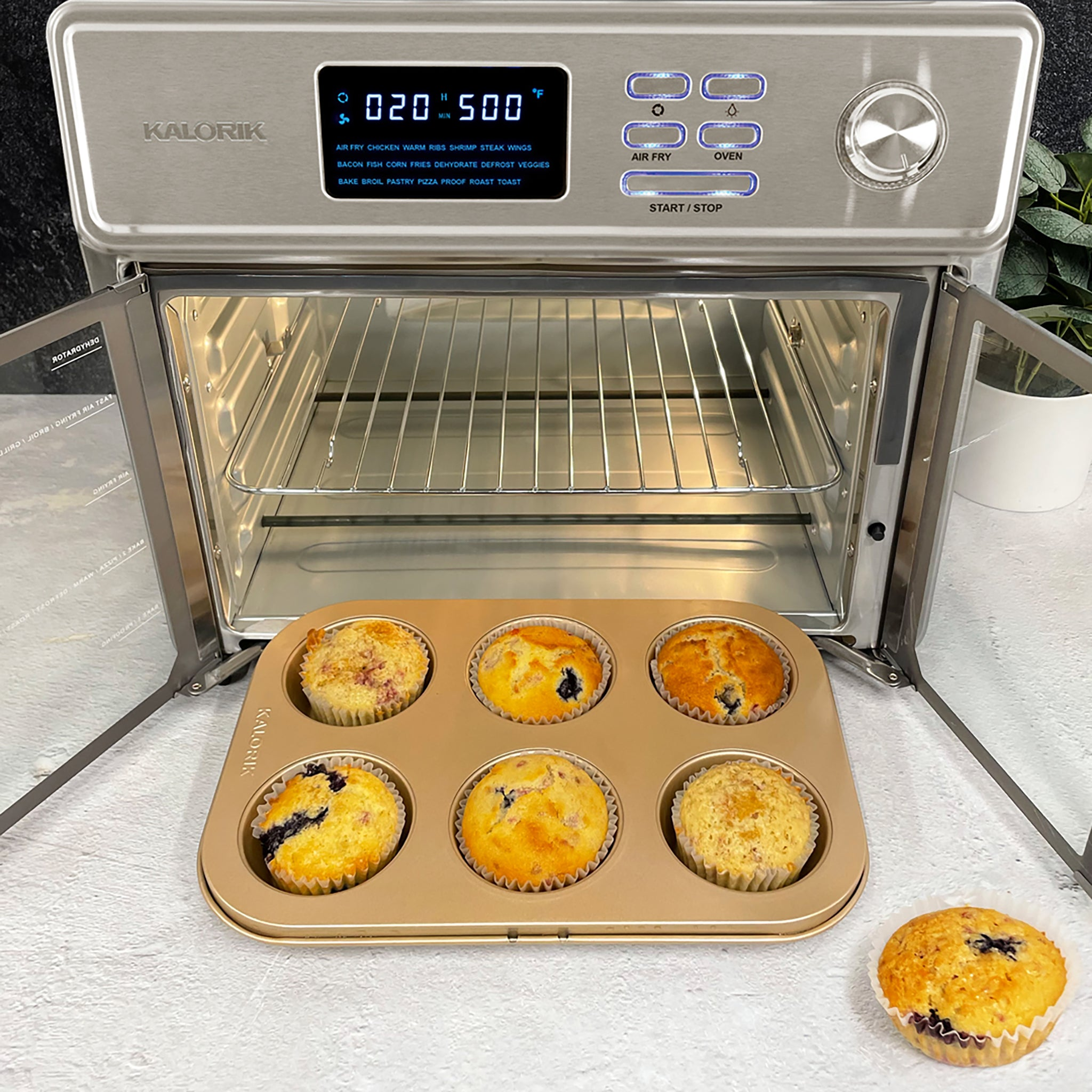 Blueberry muffins in the Kalorik MAXX Air Fryer Oven