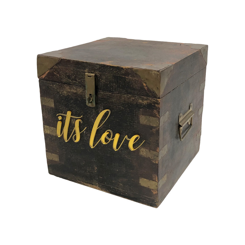 "Vintage Timber Wishing Well - ""it's love"""