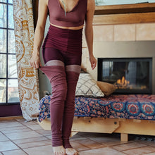 Load image into Gallery viewer, Grip Elastic + Foot Strap Natural Brown Ribbed Leg Warmer