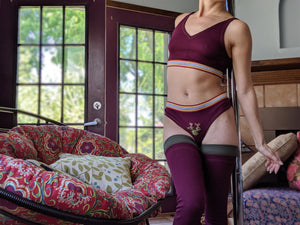 Grip Elastic + Foot Strap Burgundy Ribbed Leg Warmer