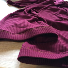 Load image into Gallery viewer, No Slip Burgundy Ribbed Leg Warmer