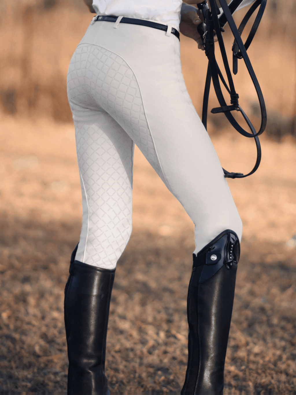 Ladies in Whitee Gel Seat Pull On Jodhpurs