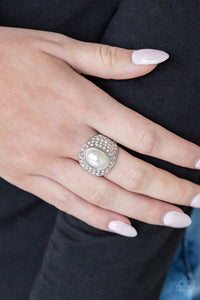 Glittering Go-Getter white pearl ring (Life of the Party August 2019)