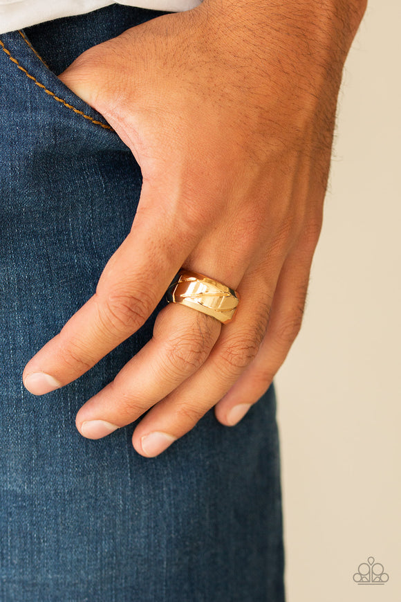 Sideswiped - Gold mens ring