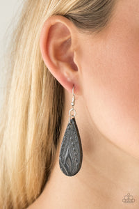 Get In The Groove - Black leather earrings