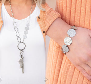 Trinket Trend - silver necklace w/ matching bracelet