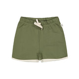 Mainio mini sweat shorts in 100 % GOTS-certified organic cotton. Soft, elastic waist with drawstrings. Pait it with Mainio Sunset tee natural.