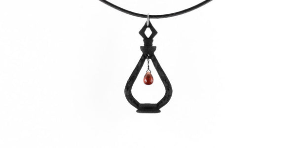 Potion of the Unseen Choker with gemstone in black