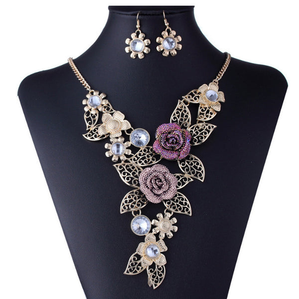 Women's Elegant Vintage Flower Gold Necklace Statement Earrings Jewelry Set