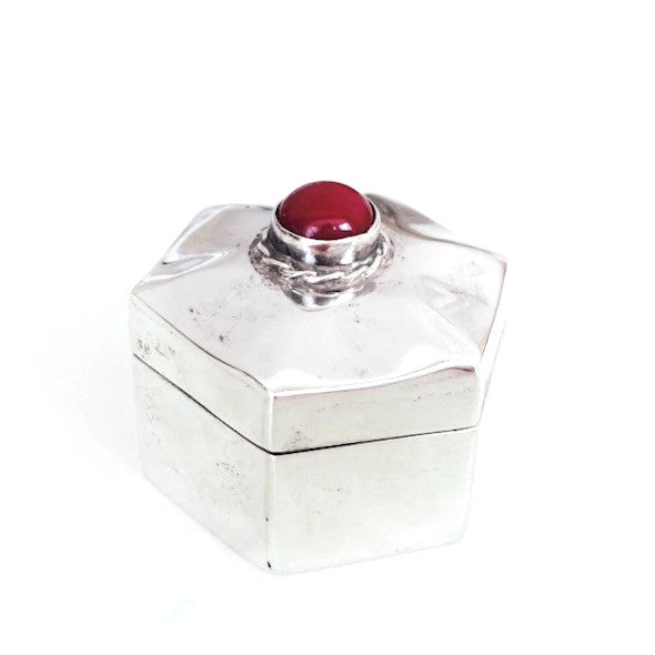 Jovon Vintage Pillbox