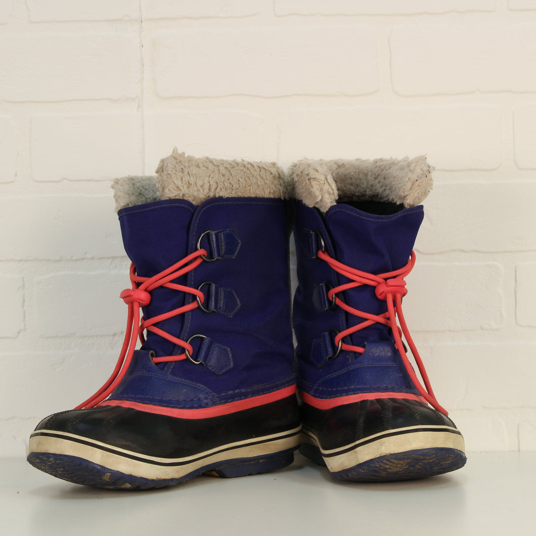 Indigo + Salmon Winter Boots (Big Kids Shoe Size 4)