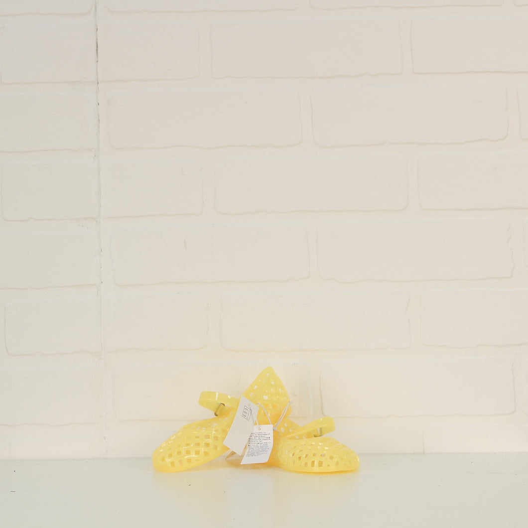 NWT Yellow Jelly Sandals (Little Kids Shoe Size 8)