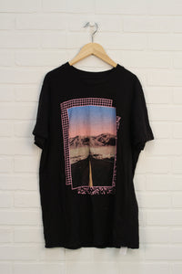 Black Graphic T-Shirt (Men's Size M)