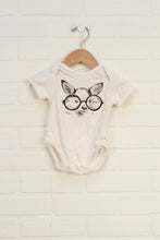 Cream Graphic Onesie: Dog (Size 0-3M)