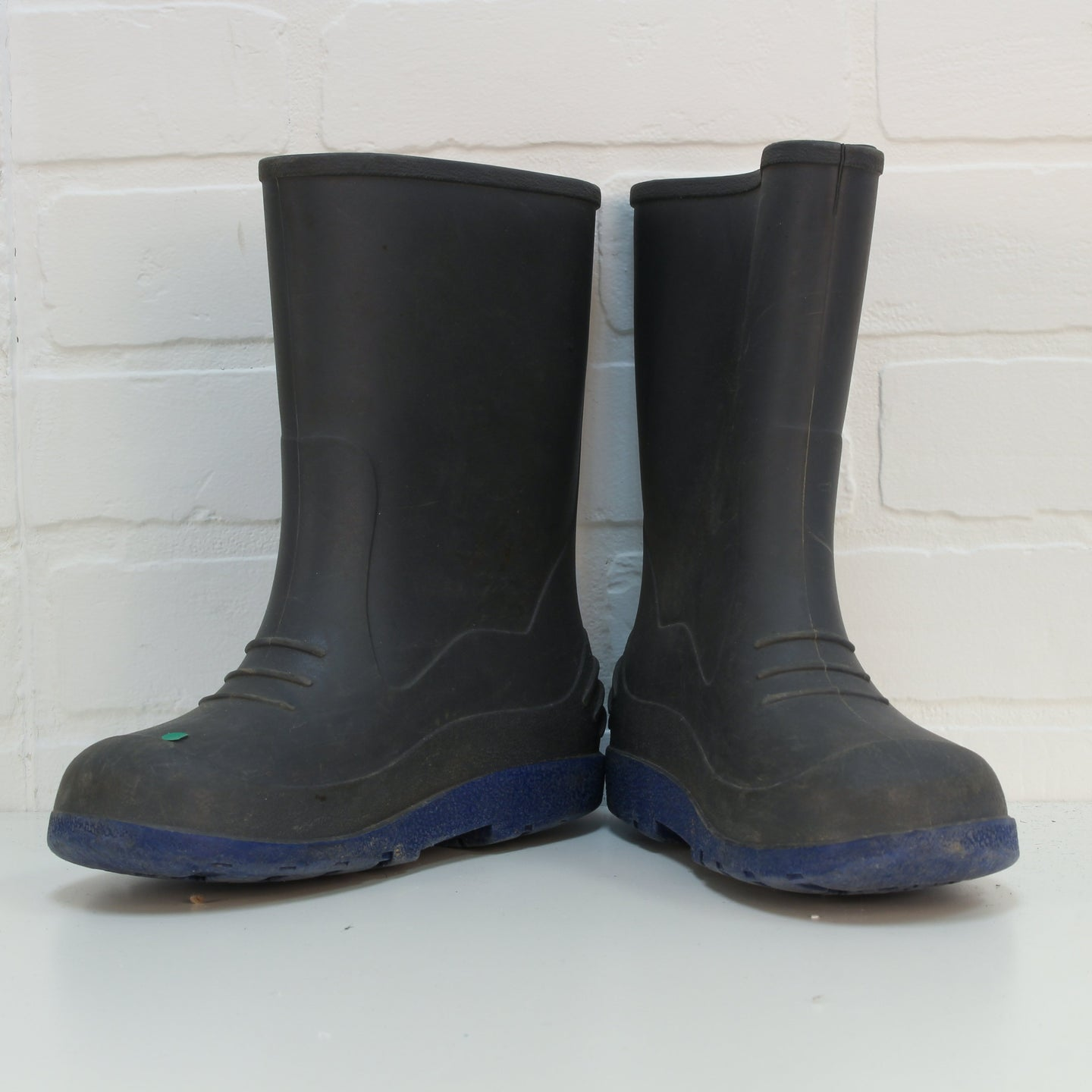 Grey + Blue Rain Boots (Big Kids Shoe Size 2)