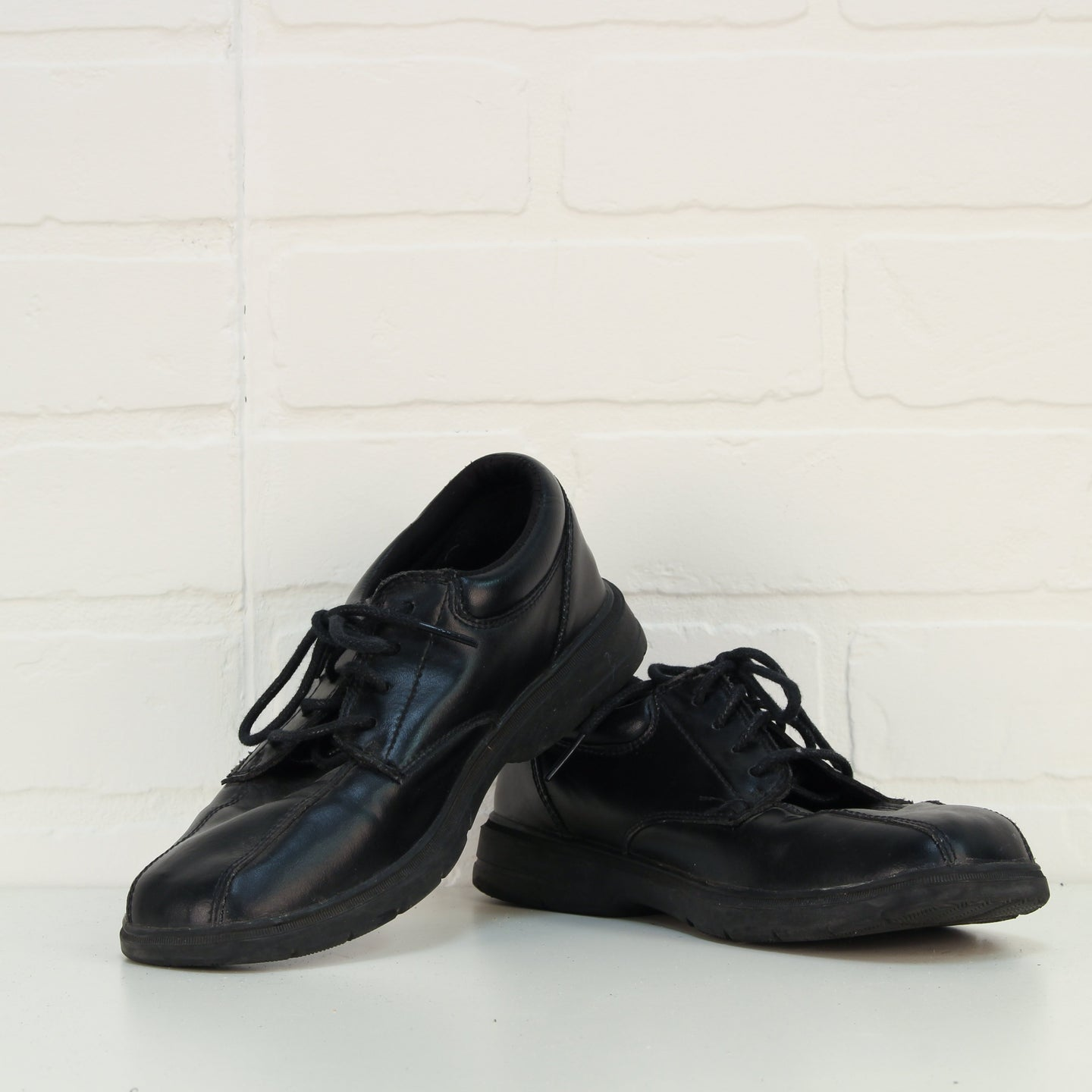 Black Lace Up Loafers (Big Kids Shoe Size 3M)