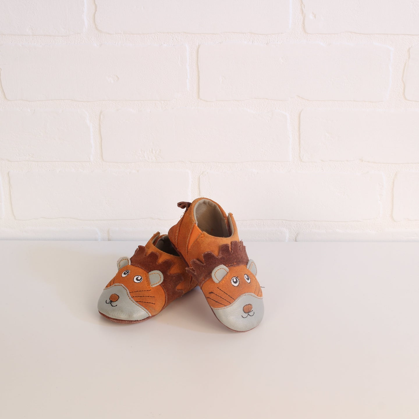 Soft-Soled Lion Booties (Little Kids Shoe Size 3)