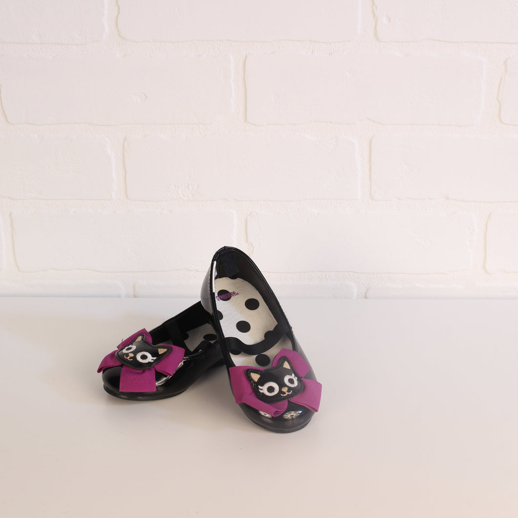 "Black ""Cat"" Mary-Janes (Little Kids Shoe Size 6)"