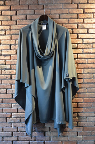 Grey poncho, made and designed in Georgia, Les Saints Perdu, LSP