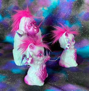 Gorilla with Cats: Pink and Blue