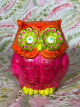 Load image into Gallery viewer, Fluorescent Owl