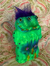 Load image into Gallery viewer, Crocodile Ape Cult: Green Double Headed Charmer