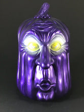 Load image into Gallery viewer, Purple Surprised Pumpkin