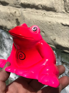 Mystic frog: Neon pink and red