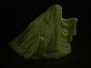 Metal flaked glow in the dark ghost (pink)