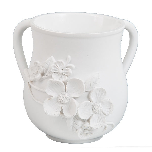 Wash Cup: Polyresin White With White 3D Flowers