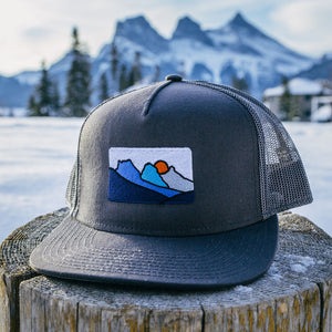 Open image in slideshow, Canmore Three Sisters Mountains - Mesh Snapback