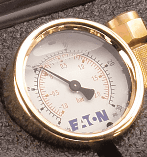 FF14799 Eaton Gauge - 1/4 Male NPT - Rating: (-)30 in/Hg - 30 psi