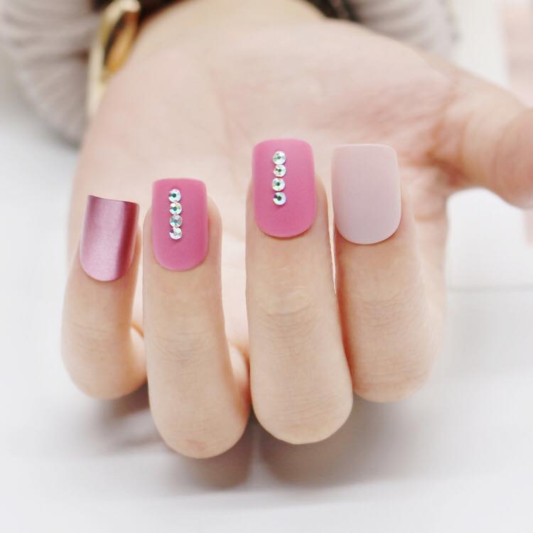 Think Pink (Press On) - The Fab Nails