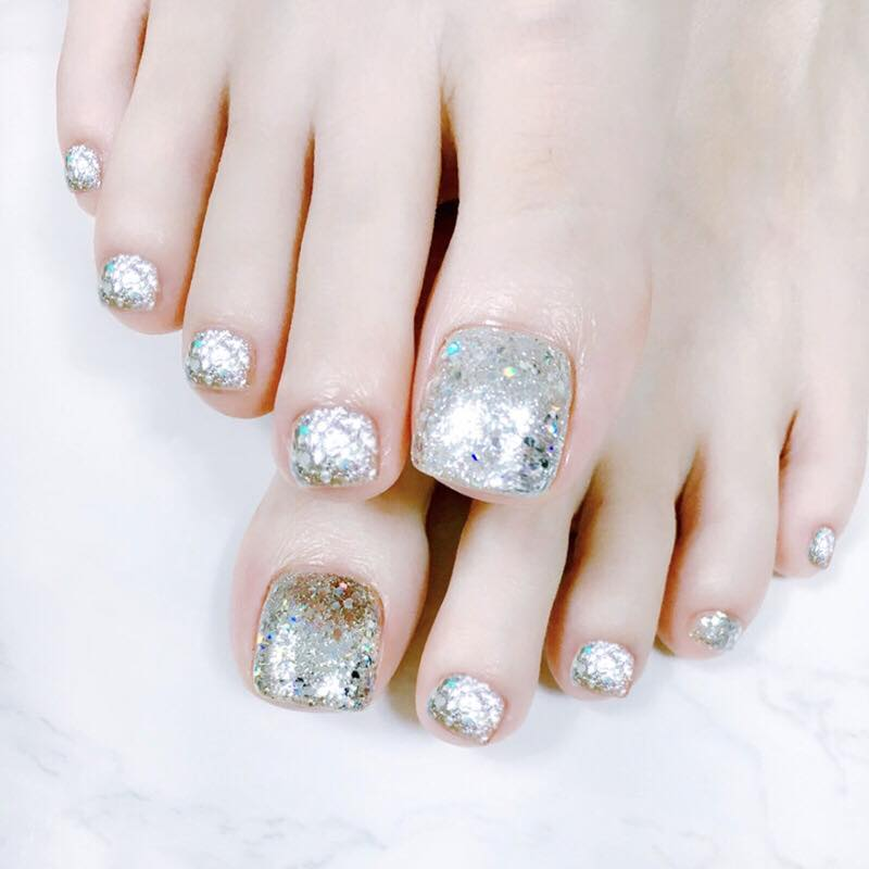 Flare to Dare (Toe Nails) - The Fab Nails
