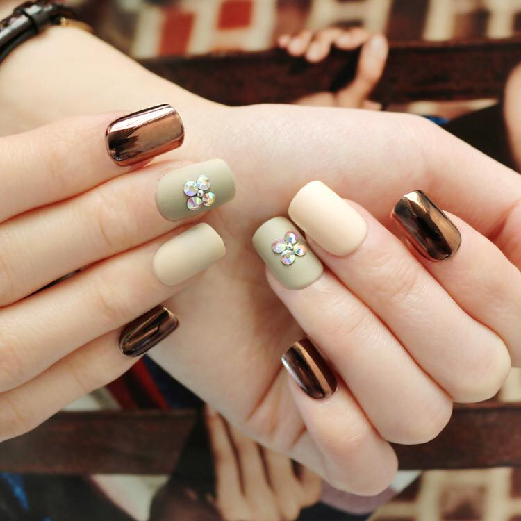Bare with Me (Press On) - The Fab Nails