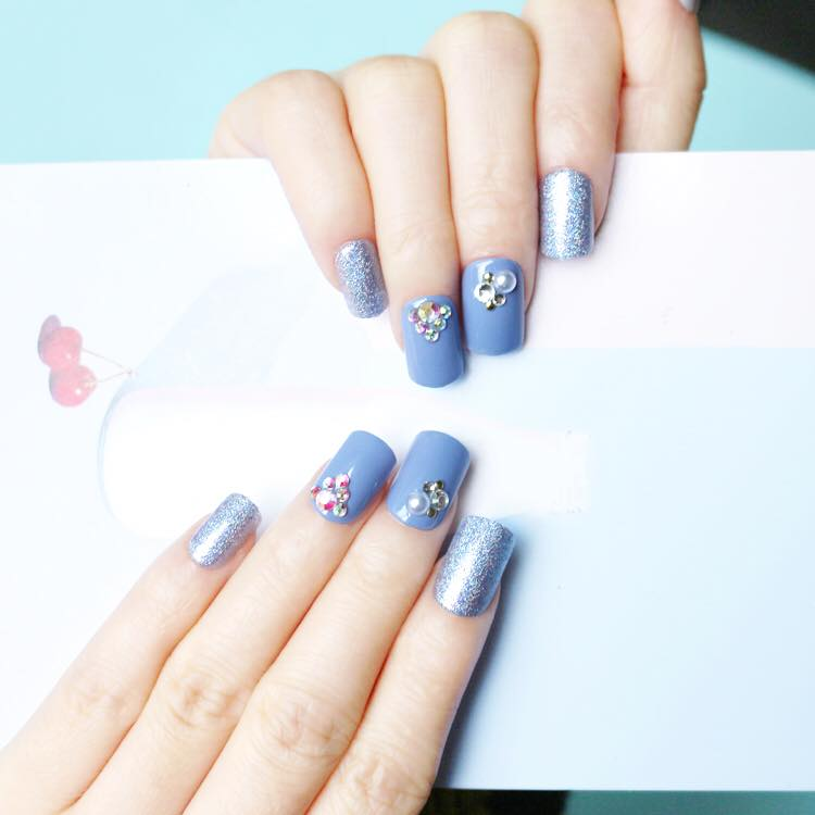 Glow with the Flow (Press On) - The Fab Nails