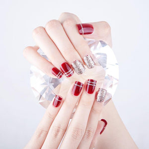 Glowing Red - The Fab Nails