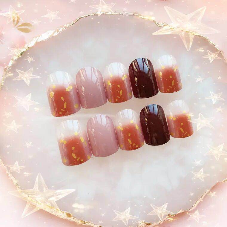 Twin Popsie - The Fab Nails