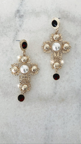 Cruz de Perlas Earrings