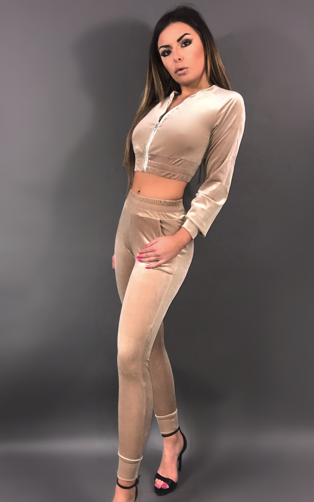Taylor Ensemble Velour - Beige