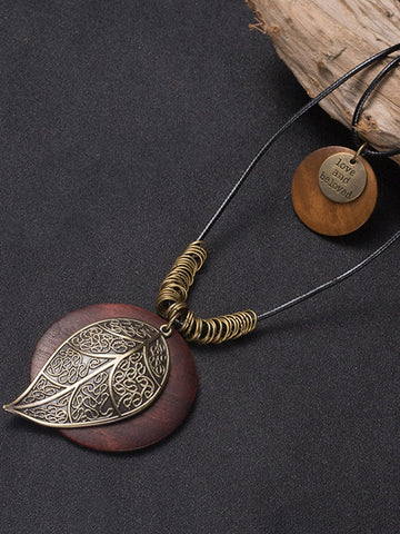 Brown Leaf Round Wood Retro Necklace
