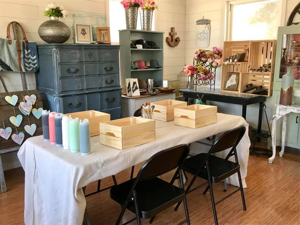 Joan's Private Chalk/Furniture Painting 101- FRIDAY NOV. 15th - GooeyGump Designs