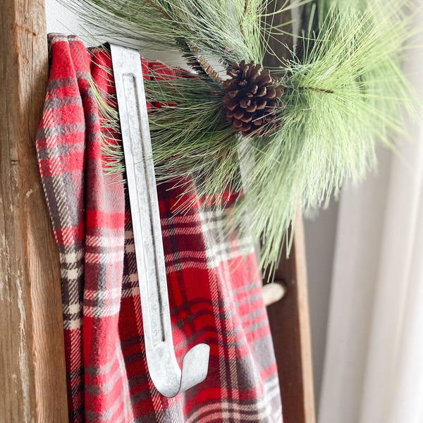 Tin wreath hanger