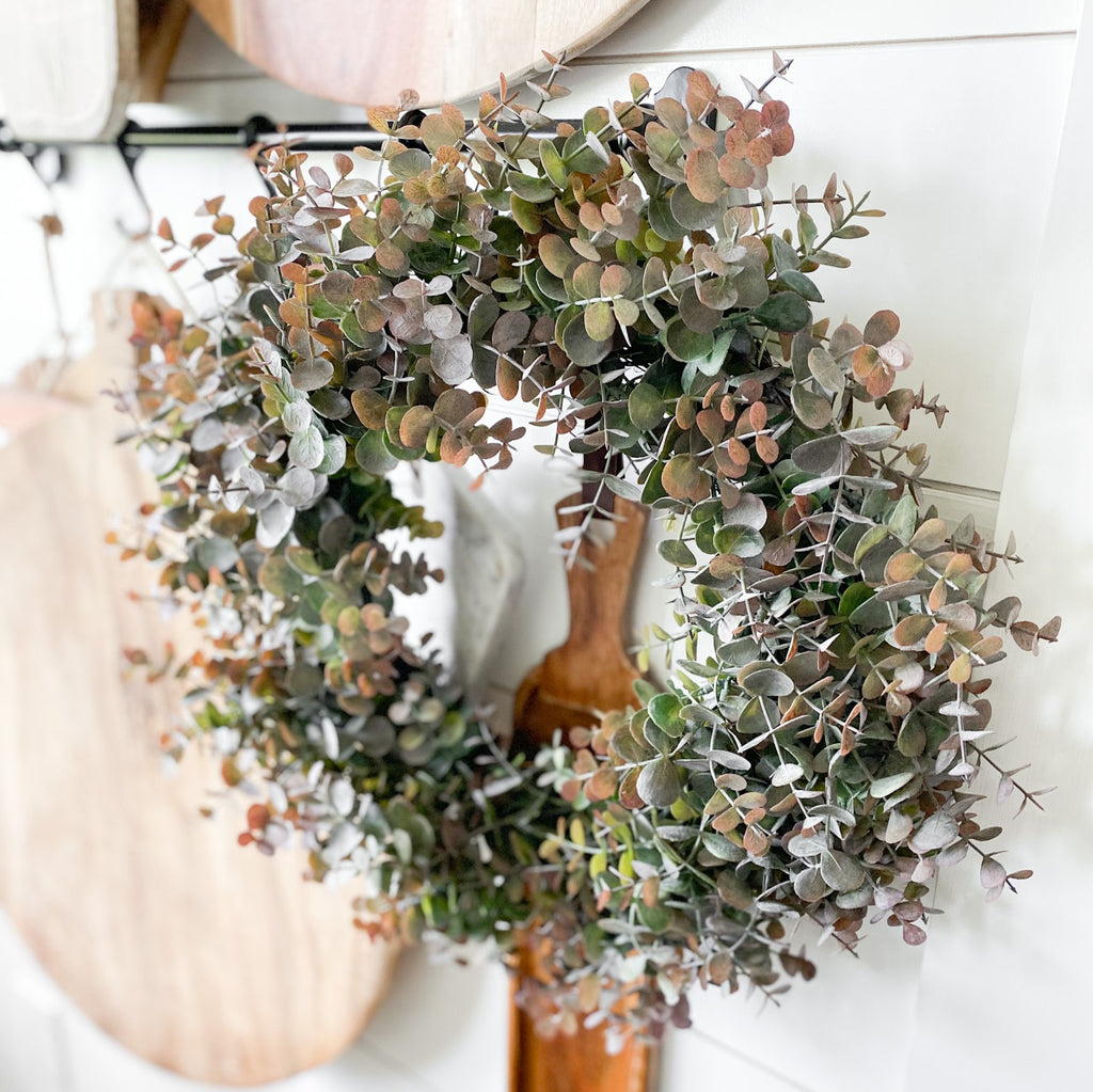 Eucalyptus Wreath in green/plum