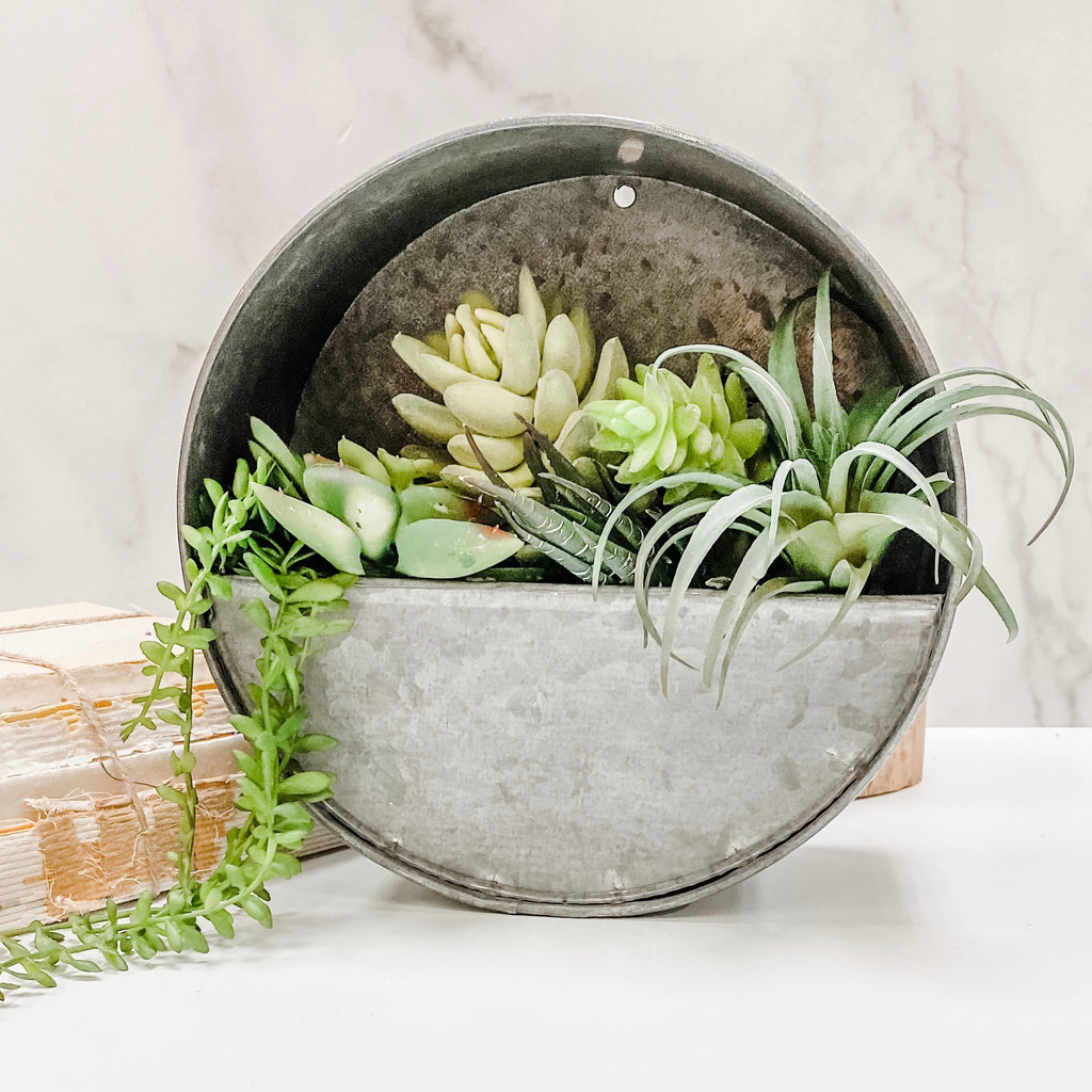 Metal round wall pocket / planter