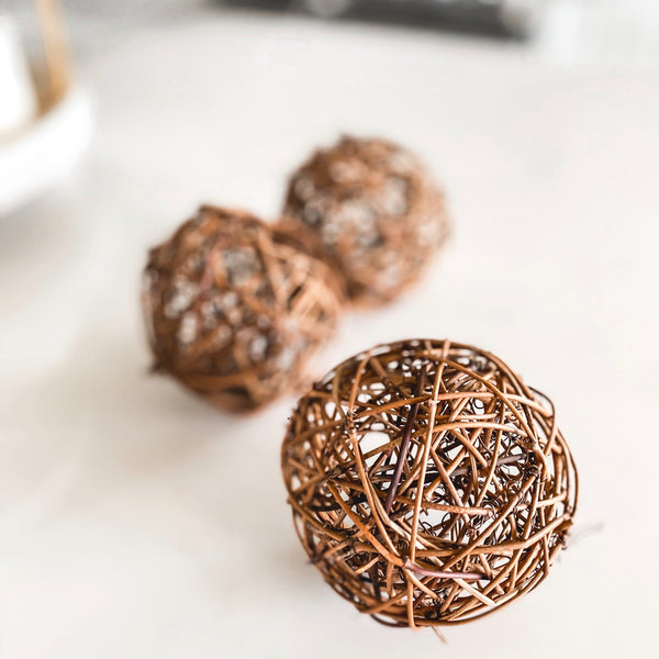 Rattan balls, set of four
