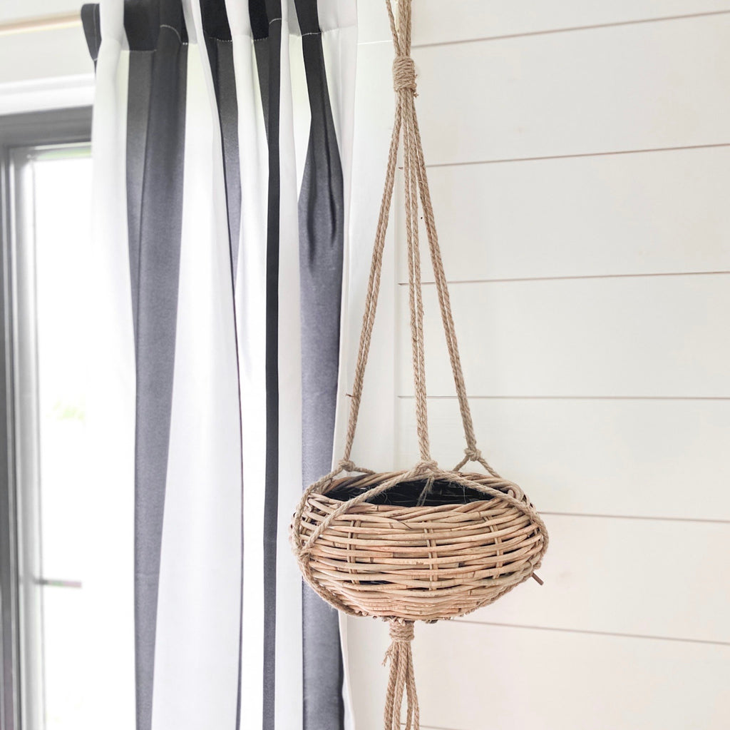 Wicker hanging basket planter