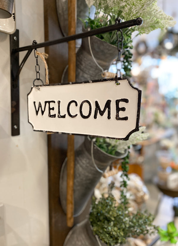 "Double-sided hanging ""Welcome"" sign"